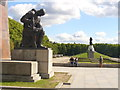 UUU9616 : Treptower Park - Terrasse im Sowjet. Ehrenmal (Terrace in the Soviet War Memorial) by Colin Smith
